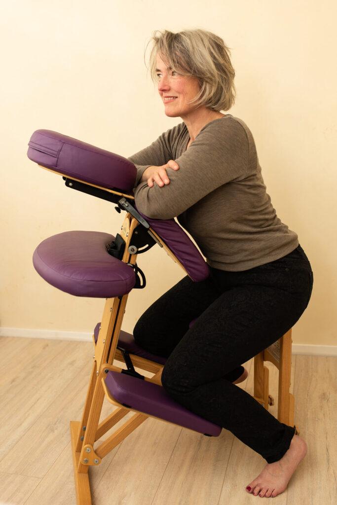 massage - miene op stoel
